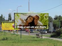 billboard pri ceste s vyznaním lásky